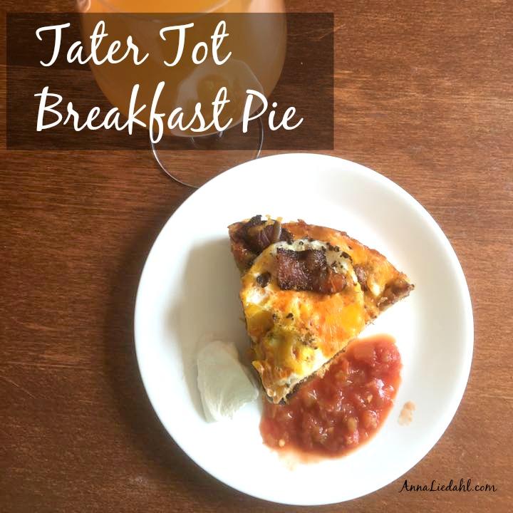 Tater Tot Breakfast Pie