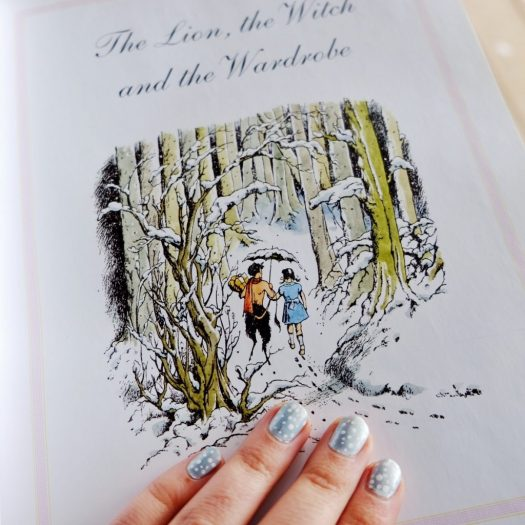 winter Narnia nail art